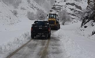 Muş'ta 65 köy yolu ulaşıma kapandı