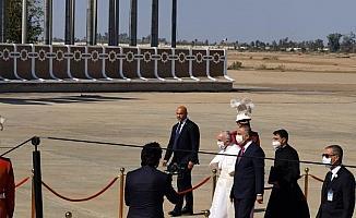 Papa'dan Irak'a tarihi ziyaret