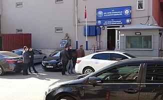 Polis memuru karakolda intihar etti