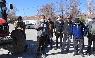 Tomarza'nın Pusatlı mahallesi sakinleri arazi toplulaştırmasından memnun değil