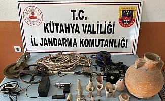 Tünel kazan defineciler suç aletleri ile yakalandı