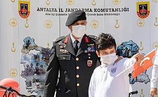 '23 Nisan'da Çocuk Gözüyle Jandarma' resim yarışması