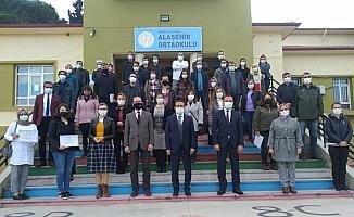 Alaşehirli eğitimcilere sertifika verildi