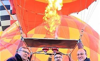Başkan Örki ve Bakan Tüzmen Pamukkale'nin güzelliklerini yeniden keşfe çıktılar