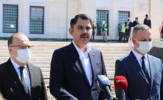 Çevre ve Şehircilik Bakanı Kurum, Uzunmehmet Camii'ni inceledi