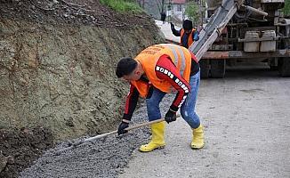 Fatsa Belediyesi beton yollarda 'V' kanal çalışması başlattı