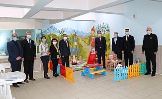Hükümlü yakını çocuklara cezaevinde oyun alanı yapıldı