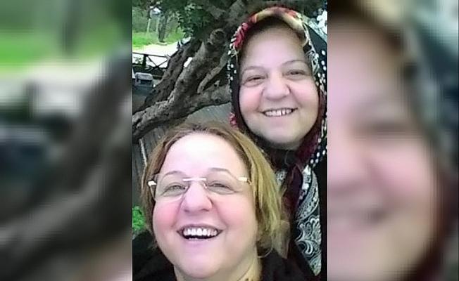 İkiz kız kardeşler aynı gün Korona'dan öldü