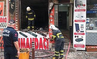 İşyeri yangında küle döndü