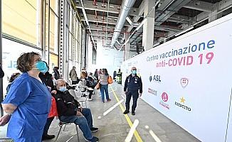 İtalya'da son 24 saatte Covid-19'a bağlı 469 can kaybı