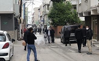 Kısıtlamayı dinlemeyen vatandaşlar sokaklara akın etti