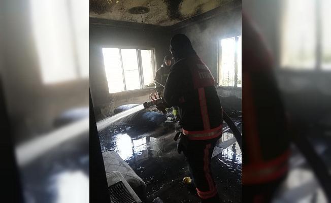 Mardin'de çıkan yangında ev kullanılamaz hale geldi