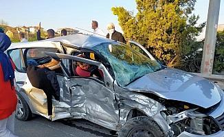 Kavşakta feci kaza: 1 ölü, 3 yaralı