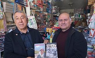 """Ünsal: """"Soykırım ve Yüreğim İrevan'da Kaldı"""" romanını Yanardağ'a hediye etti"""