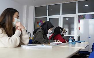 Yıldırım Belediyesi gençleri üniversiteye hazırlıyor