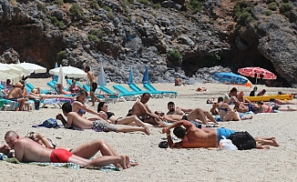 Alanya'da Ramazan Bayramı'nda sahiller turistlere kaldı