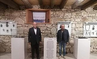 Başkan Pekmezci, Silletto ödülüne layık görülen Yavuz'u tebrik etti