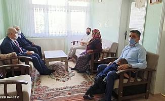Başkan Şahin, şehit aileleri ile bayramlaştı