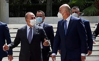 Çavuşoğlu, Yunanistan Dışişleri Bakanı Dendias ile görüştü