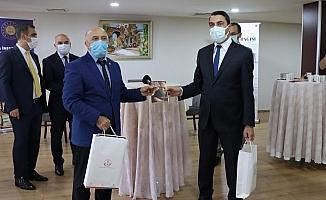 Ceza evlerine Kocaeli'den 2 bin kitap bağışlandı