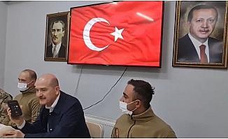 Cumhurbaşkanı Recep Tayyip Erdoğan, Yüksekova Düztepe Üs Bölgesi'nde görevli askerlerin bayramını kutladı