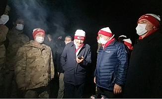 Diyanet İşleri Başkanı Prof. Dr. Ali Erbaş, 3480 rakımlı üs bölgesindeki askerlere dua edip bayramlarını kutladı