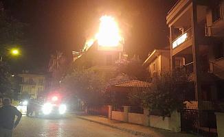 Fethiye'de çatı katı yangını
