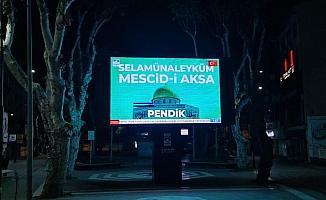 İstanbul'da dev ekranlardan Mescid-i Aksa'ya selam