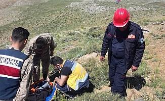 Kayalıklardan düşen şahıs yaralandı