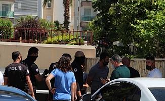 Lüks rezidanstaki pandemi kurallarını ihlale polis baskını