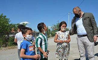 Orhaneli Belediye Başkanı Ali Aykurt bayramlaşma için köyleri gezdi