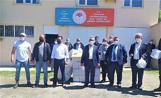Tuzluca'da arıcılara ilaç dağımı yapıldı
