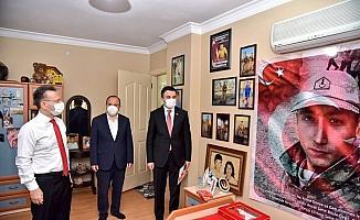 Vali Aksoy'dan şehit aileleri ve gazilere bayram ziyareti