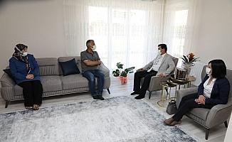 Vali Aslantaş, Ramazan Bayramı'nın ilk gününü şehit ve gazi aileleri ile birlikte geçirdi