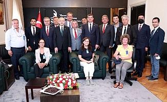 Coşkun Karadağ ve yönetimi Kılıçdaroğlu ile buluştu