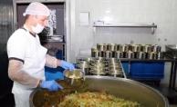 Büyükşehir'den her gün  2 bin 600 kişiye yemek