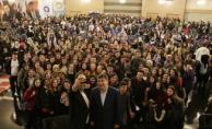 Başkan Türel, Alanyalı gençlerle tiyatro izledi