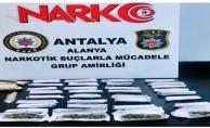Alanya'da 4 uyuşturucu taciri polisten kaçamadı