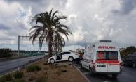 Alanya'da kontrolden çıkan araçta 2 kişi yaralandı