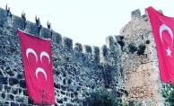 Alanya Kalesin'in burçlarına 3 Hilal yeniden asıldı