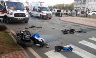 Alanya'da kamyonetle motosiklet çarpıştı: 2 yaralı