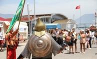 Alanya'da yılın ilk kruvaziyer turistlerine mehterli karşılama