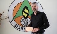 Köfteci günlük cirosunu Alanyaspor'a bağışladı
