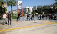 Alanya'da 10 uyuşturucu tacirinden 8'i tutuklandı