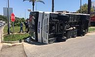 Alanya'da tur minibüsü devrildi! 1 yaralı