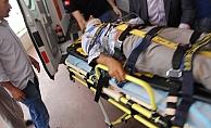 Alanya'da araç duvara çarptı: 5 yaralı!