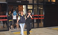 Alanya'da zorla fuhuş yaptıran şüpheliler tutuklandı