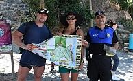 Tarihi yarım adanın haritası turistlere dağıtılıyor