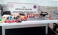 32 kişi kaçak kazı yaptıkları esnada yakalandı