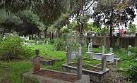 Alanya'da  tarihi mezarlığa bakım